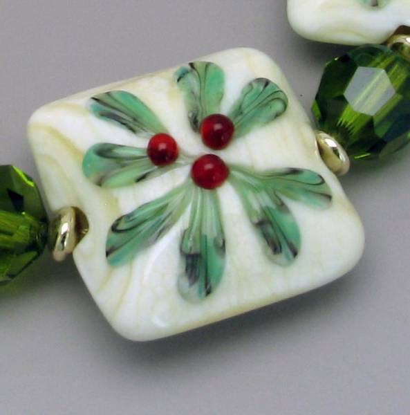 Winterberry Bead Detail