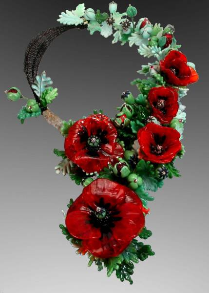 "Field of Poppies, ""Convergence III,"" ISGB, 2011, Katherine Peterson, designer and Susan Matych-Hager, lampwork artist"